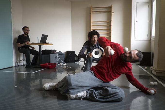 association-tournesol-fondation-artistes-hopital-culture-mediation-compagnie-defracto-cirque-jonglage